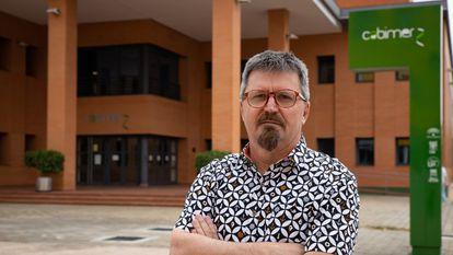 Andrés Aguilera López, en la sede del Centro Andaluz de Biología Molecular y Medicina Regenerativa (CABIMER).