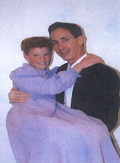 Warren Jeffs y su esposa de 12 años.