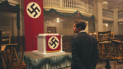 Georg Elser (encarnado por Christian Friedel), en la cervecería Bürgerbräukeller, en el filme.