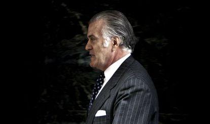 Luis Bárcenas a la salida de la de la Audiencia Nacional en 2013, tras negarse a declarar.