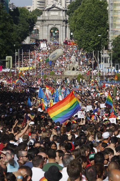 Miles de personas salieron este sábado a las calles de Madrid para celebrar el Orgullo Gay.