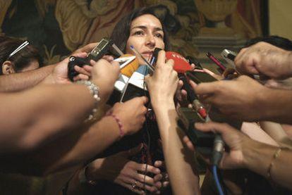 La ministra de Cultura, Ángeles González-Sinde, ayer por la mañana.