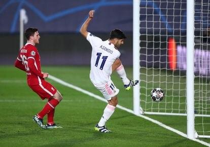 Asensio marca el segundo gol del Madrid al Liverpool el pasado martes.