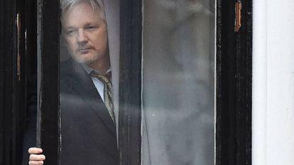 Assange, el pasado febrero en la Embajada de Ecuador en Londres.