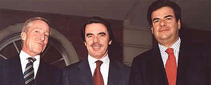 Fotografía sin fecha de Antonio Cámara, José María Aznar y Alfonso Bosch (uno de los imputados en la <i>trama Gürtel)</i> en La Moncloa, publicada en la <i>web</i> de la cadena SER, que la obtuvo de la <i>web</i> del propio Bosch.