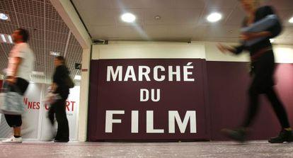 Acceso a las instalaciones del Mercado del Cine, en el Festival de Cannes.