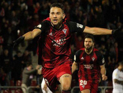 Matheus celebra su segundo gol al Sevilla. Declaraciones de Iraola tras el partido.