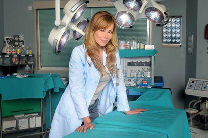 Ana Obregón, en la serie 'Hospital Central'.