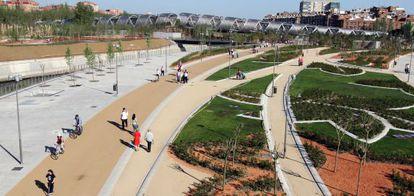 Vista panorámica de los jardines de Madrid Río.