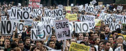 Manifestantes en la plaza de Neptuno de Madrid
