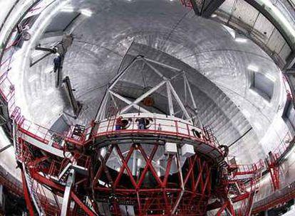 Pulido de los segmentos del espejo del gran telescopio de Canarias.