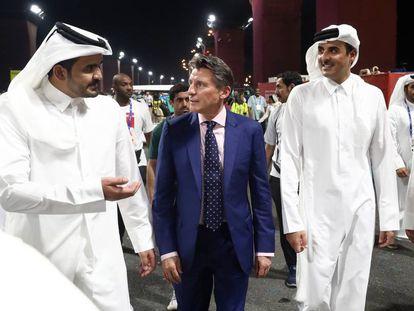 Sebastian Coe, presidente de la IAAF, en el centro.