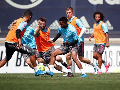Entrenamiento del Real Madrid este sábado en Valdebebas.