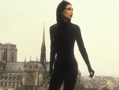 Un fotograma de la cinta 'Irma Vep' (1996).