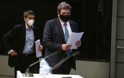 El ministro de Inclusión, Seguridad Social y Migraciones, José Luis Escrivá, y el secretario de Estado de Seguridad Social, Israel Arroyo.