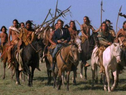 Fotograma de 'Bailando con lobos', de Kevin Costner. En vídeo, tráiler en versión original de 'Bailando con Lobos'.