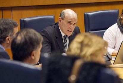 El consejero de Sanidad del Gobierno Vasco, Rafael Bengoa.