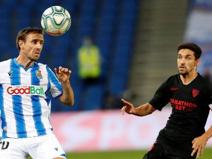 Monreal, ante Navas en el pasado Real Sociedad-Sevilla. Los vascos dependen de sí mismos para jugar la Liga Europa.