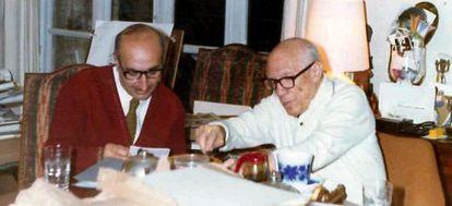 Josep Palau i Fabre junto a Pablo Picasso.