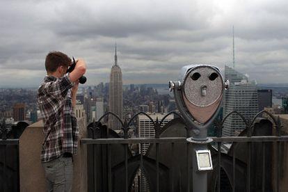vista del edificio <i>art dèco </i>desde la terraza del Rockefeller Center.