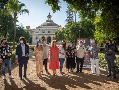 Encuentro con algunos de los cantaores que participan en la Bienal de Flamenco, este miércoles en Sevilla. PACO PUENTES