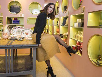 La modelo y empresaria Eugenia Silva, en la inauguración de The Creative Spots, la tienda efímera dedicada a artesanos que se ha instalado en Las Rozas Village, en Madrid.