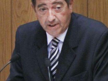 Benigno López durante una intervención en el Parlamento