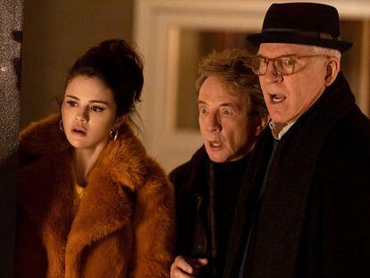 Selena Gomez, Martin Short y Steve Martin (de izquierda a derecha), en 'Solo asesinatos en el edificio'.