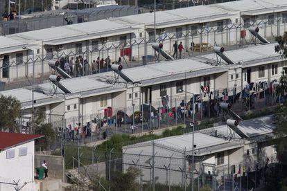 El campo de Moria, en Lesbos, donde 3.000 migrantes esperan su expulsión.
