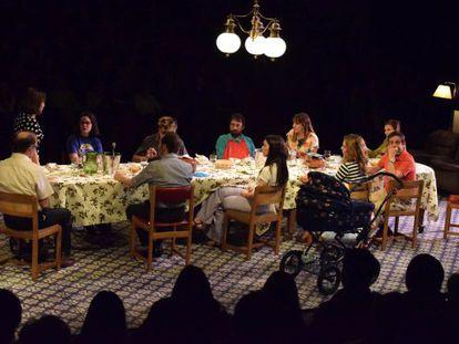 Una escena de 'Vilafranca, dinar de festa major', de Jordi Casanovas.