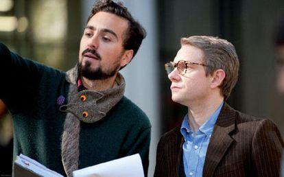 El director Marçal Forés con Martin Freeman, durante el rodaje de 'Animals'.
