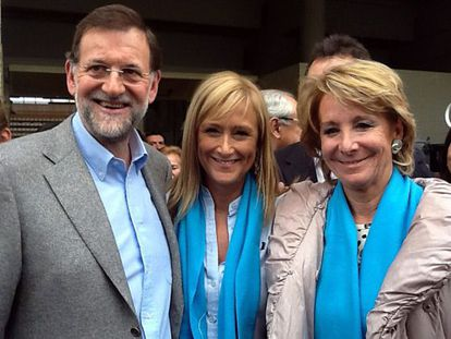 Mariano Rajoy, Cristina Cifuentes y Esperanza Aguirre, durante un mitin en Leganés (Madrid), el 5 de noviembre de 2012.