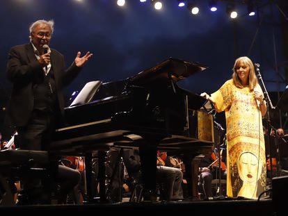 Imagen del concierto de  la Mercè con José María Vitier y Maria del Mar Bonet.