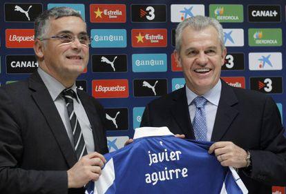 El presidente del Espanyol, Joan Collet, con el técnico Javier Aguirre.