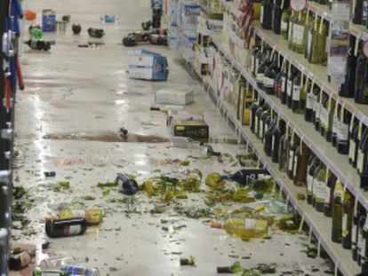 Desperfectos en un supermercado de California tras el terremoto.