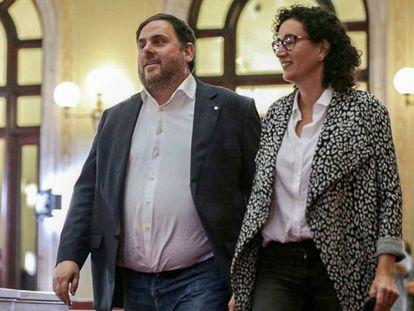 Oriol Junqueras y Marta Rovira, en octubre de 2017 en el Parlament.
