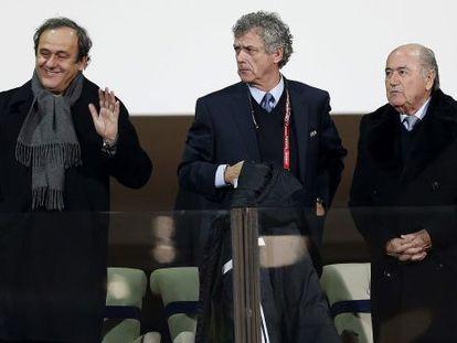 Los presidentes de la UEFA, la RFEF y la FIFA, en 2014.