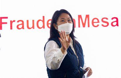 La candidata peruana Keiko Fujimori, durante una conferencia de prensa este lunes, en Lima, en la que denunció un presunto fraude electoral.