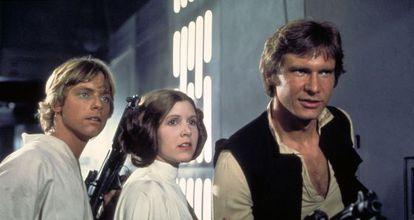 De izquierda a derecha, Mark Hamill, Carrie Fisher y Harrison Ford en un fotograma de la saga original de 'Star wars'.