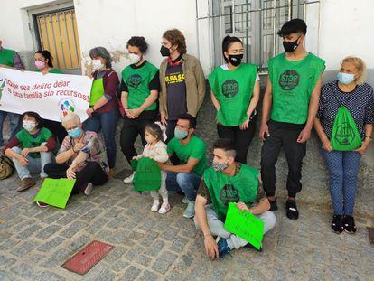 Protesta de la Plataforma de Afectados por la Hipoteca contra un desahucio en Jaén, a principios de mayo.