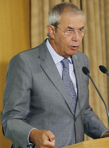 El presidente de la Xunta, Emilio Pérez Touriño, ayer en la residencia oficial de Monte Pío.