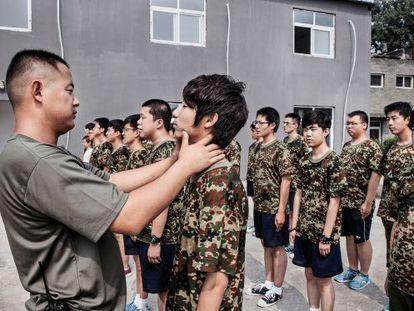 Una imagen del Daxing Internet Addiction Treatment Centre, en China, donde los reclutas son desintoxicados de Internet con disciplina militar.