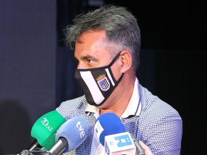 El presidente de CD Badajoz, Joaquín Parra, el pasado mes de mayo.