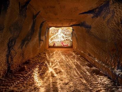 'Ressac', la exposición de Miquel Barceló en una gruta submarina de la Fundación Carmignac, en la isla francesa de Porquerolles.