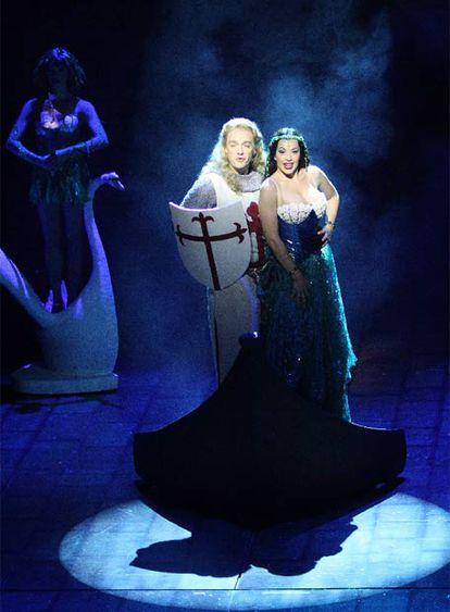 Sir Lancelot y la Dama del Lago en <i>Spamalot.</i>