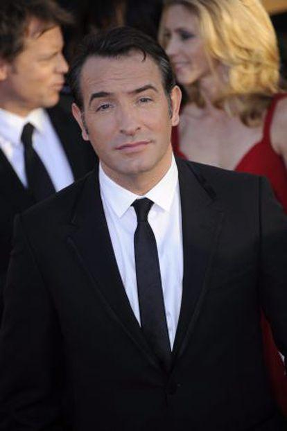 El actor premiado por el sindicato de actores, Jean Dujardin, a su llegada a la gala.