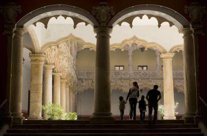 Palacio del Infantado del Patio de los Leones en Guadalajara.