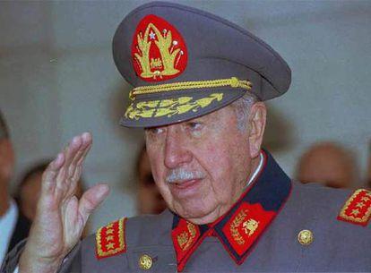 Imagen de Augusto Pinochet en 1997.