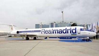 El avión con matrícula EC-JQV que fue arrendado por el Madrid entre 2007 y 2009.