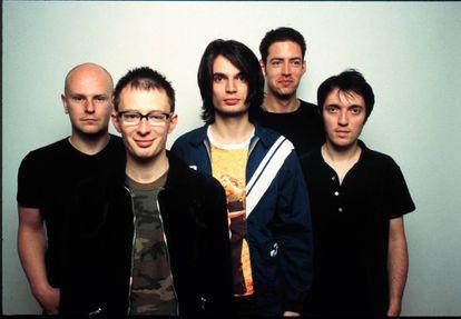 Los Ángeles, 12 de junio de 1997. Radiohead ya han editado 'Ok computer' y ahora posan relajados. Todavía no saben la dimesión de lo que han creado. Thom Yorke, el líder, es el segundo por la izquierda.